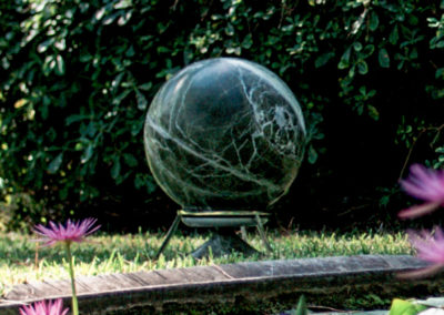 Sphere 360 Lautsprecher von Architettura Sonora in Rainforest Marmor.