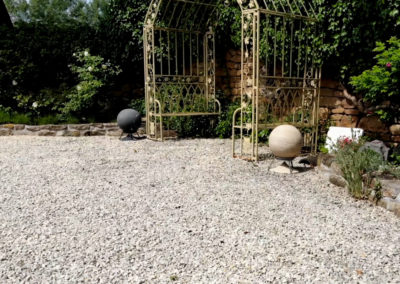 Sphere 360 Lautsprecher von Architettura Sonora in Naturstein.